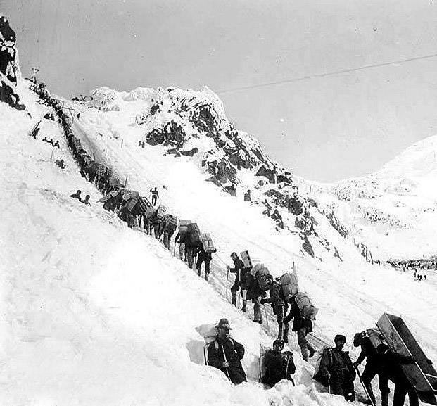 The Call of the Wild Study Guide: Klondike Gold Rush