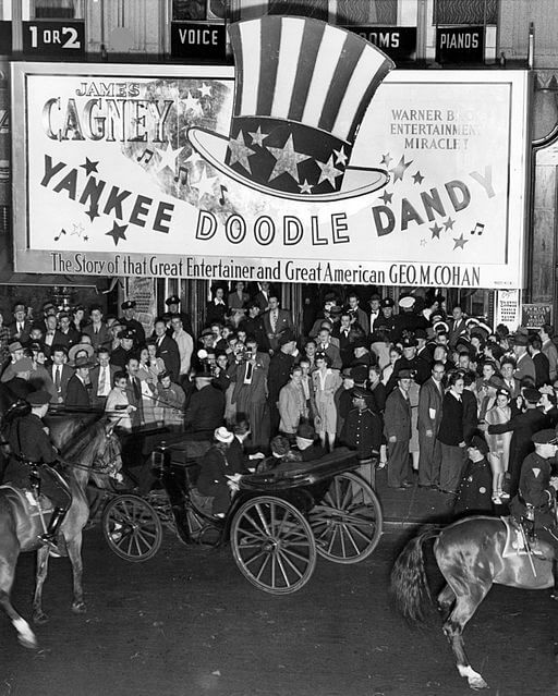 Yankee Doodle Dandy movie opening, 1942