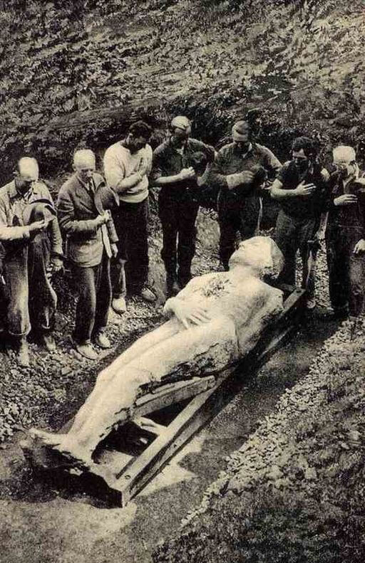 Halloween Stories: A Ghost Story, The Cardiff Giant